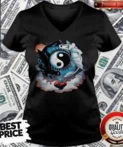 Awesome Toothless Dragon And His Girlfriend Heart Moon V-neck