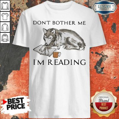 The Wolf Don't Bother Me I'm Reading Coffee Halloween Shirt