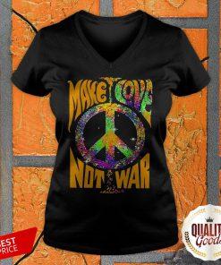 Hippie Make Love Not War V-neck