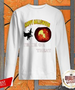 Witch And Giraffe Happy Halloween Trick Or Treat SweatShirt